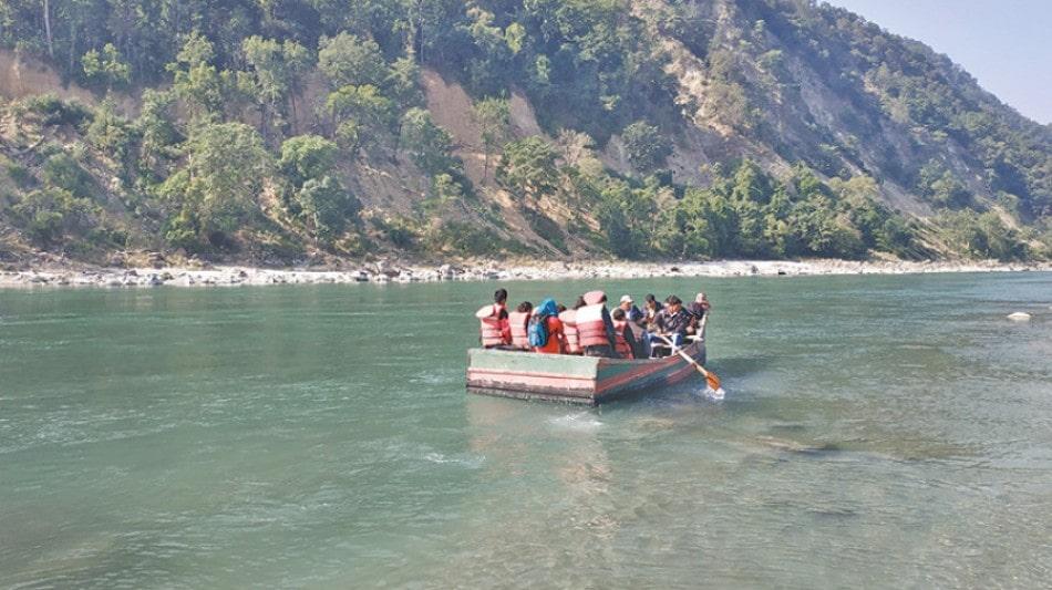 महाकाली नदीमा फसेका मलामीको उद्धार image