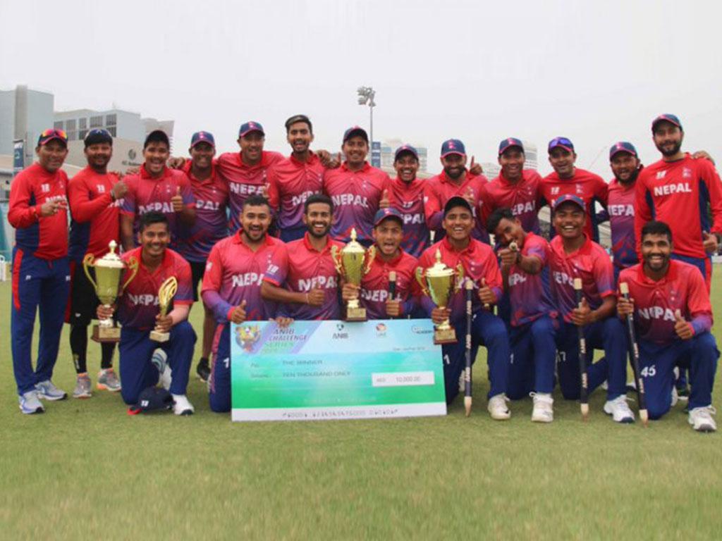 राष्ट्रिय क्रिकेट टोलीलाई नगद सम्मान image